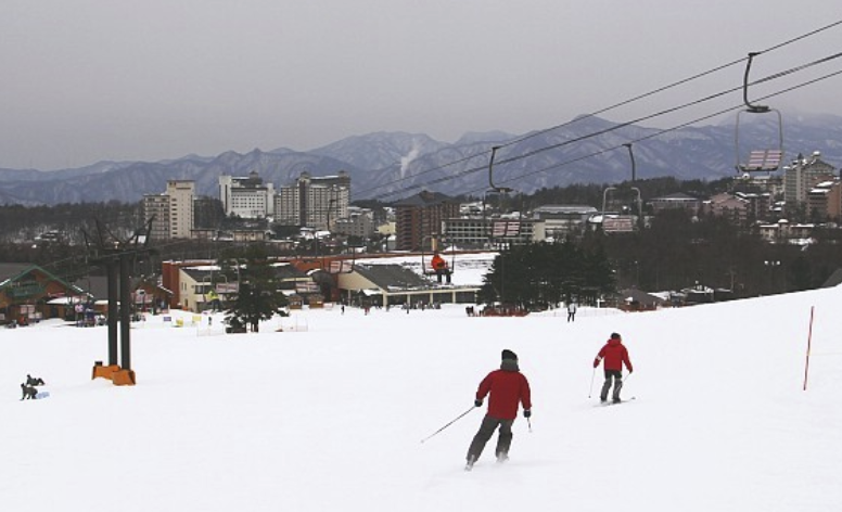 5 popular hot spring combined skiing spots in northern Japan (Part 1)